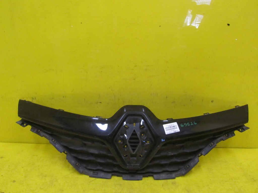 Решетка радиатора Renault Kaptur 1