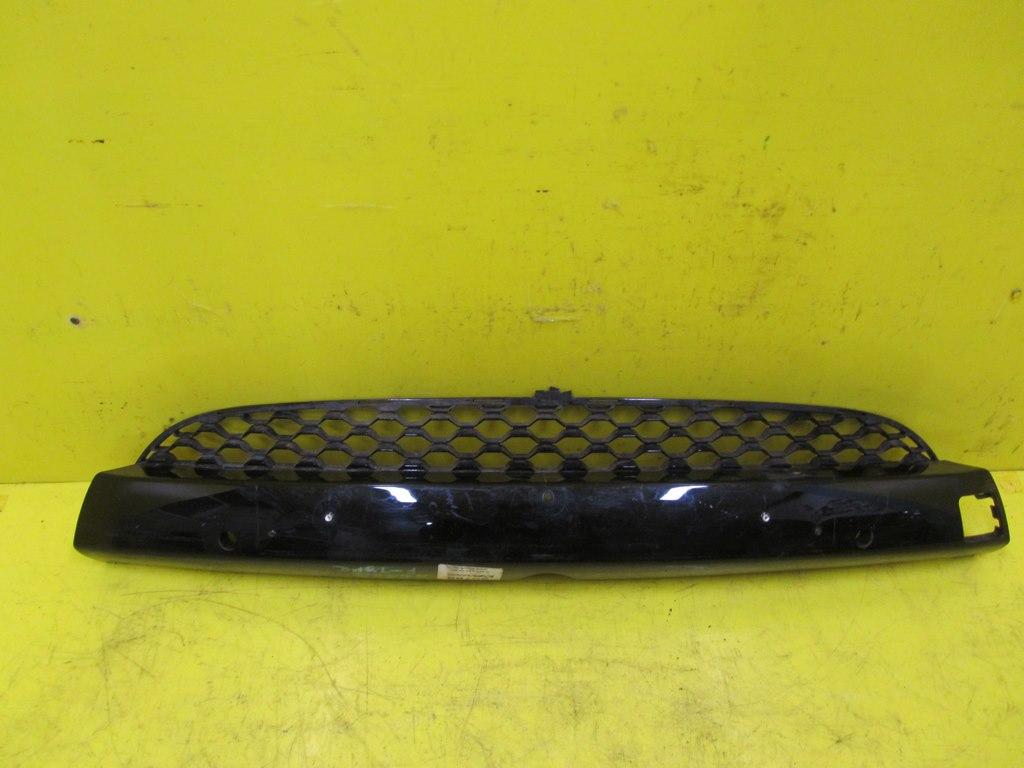 Решетка переднего бампера J
