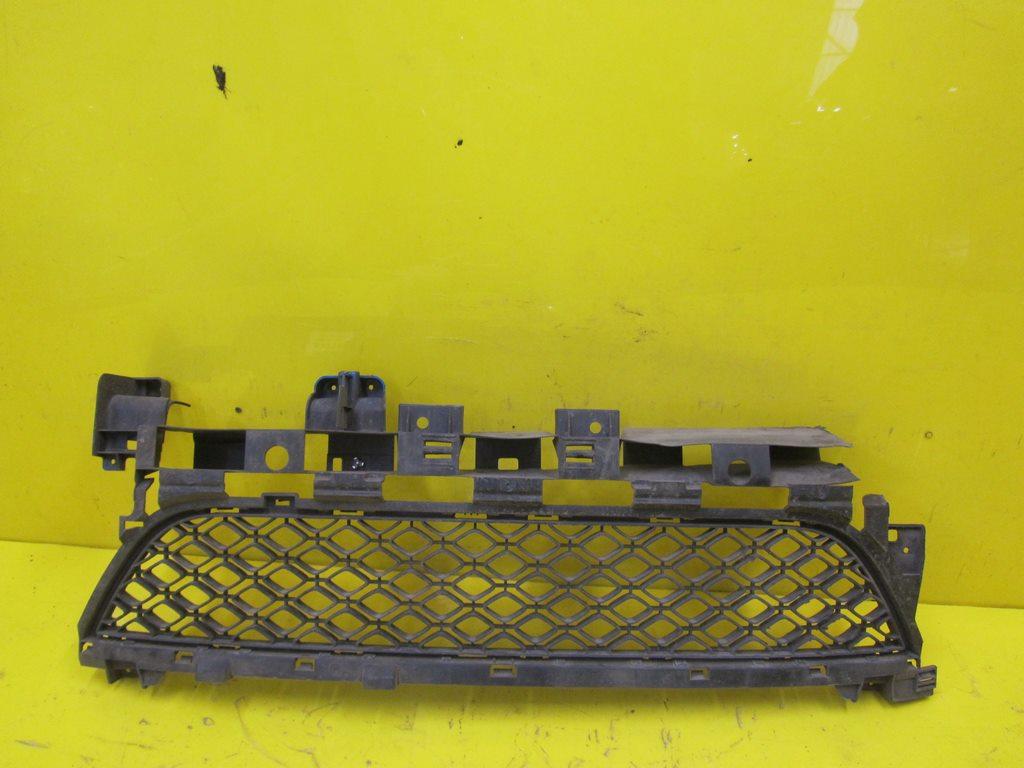 Решетка бампера Renault Sandero 2 (2