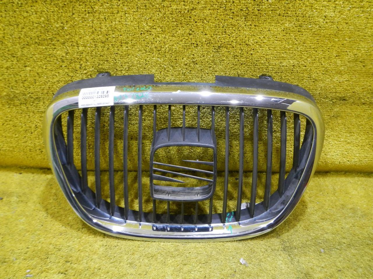 Решетка радиатора SEAT Toledo 3 (0
