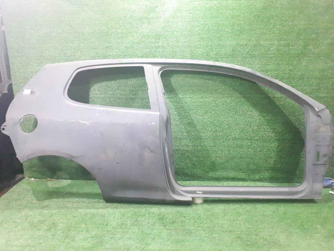 Боковина кузова правая  Volksw