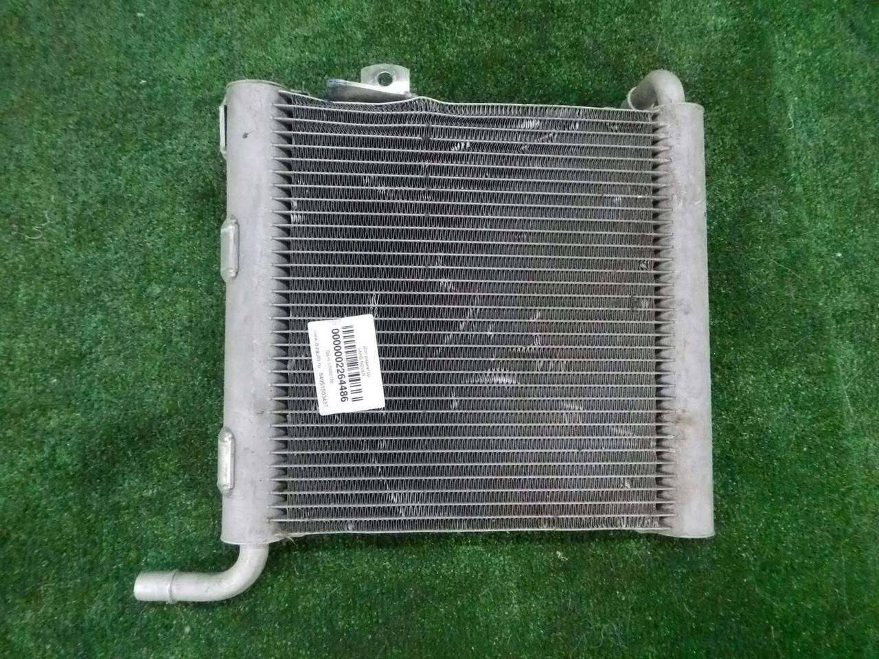 Радиатор охлаждения двигат