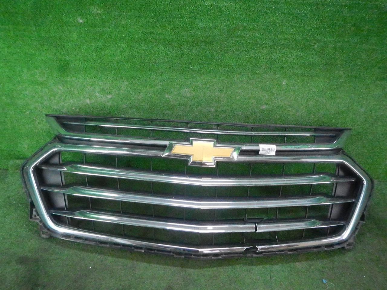 Решетка радиатора Chevrolet Traver