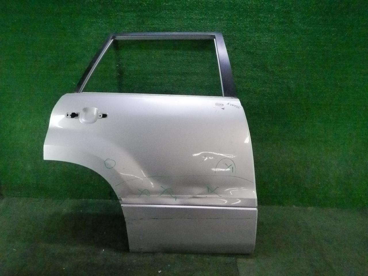 Дверь задняя правая Suzuki Grand