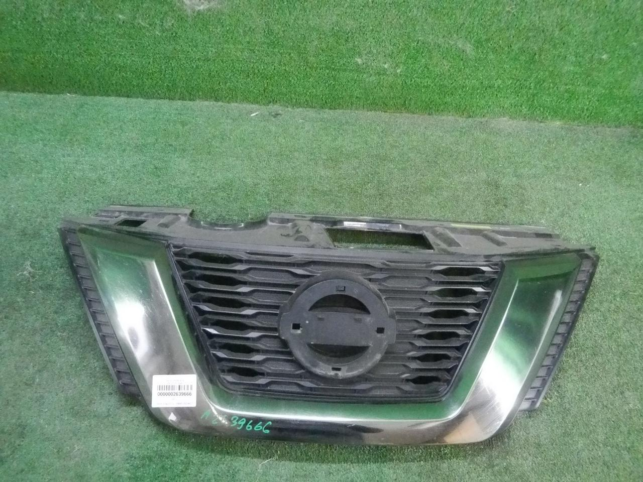 Решетка радиатора Nissan X-Trail T