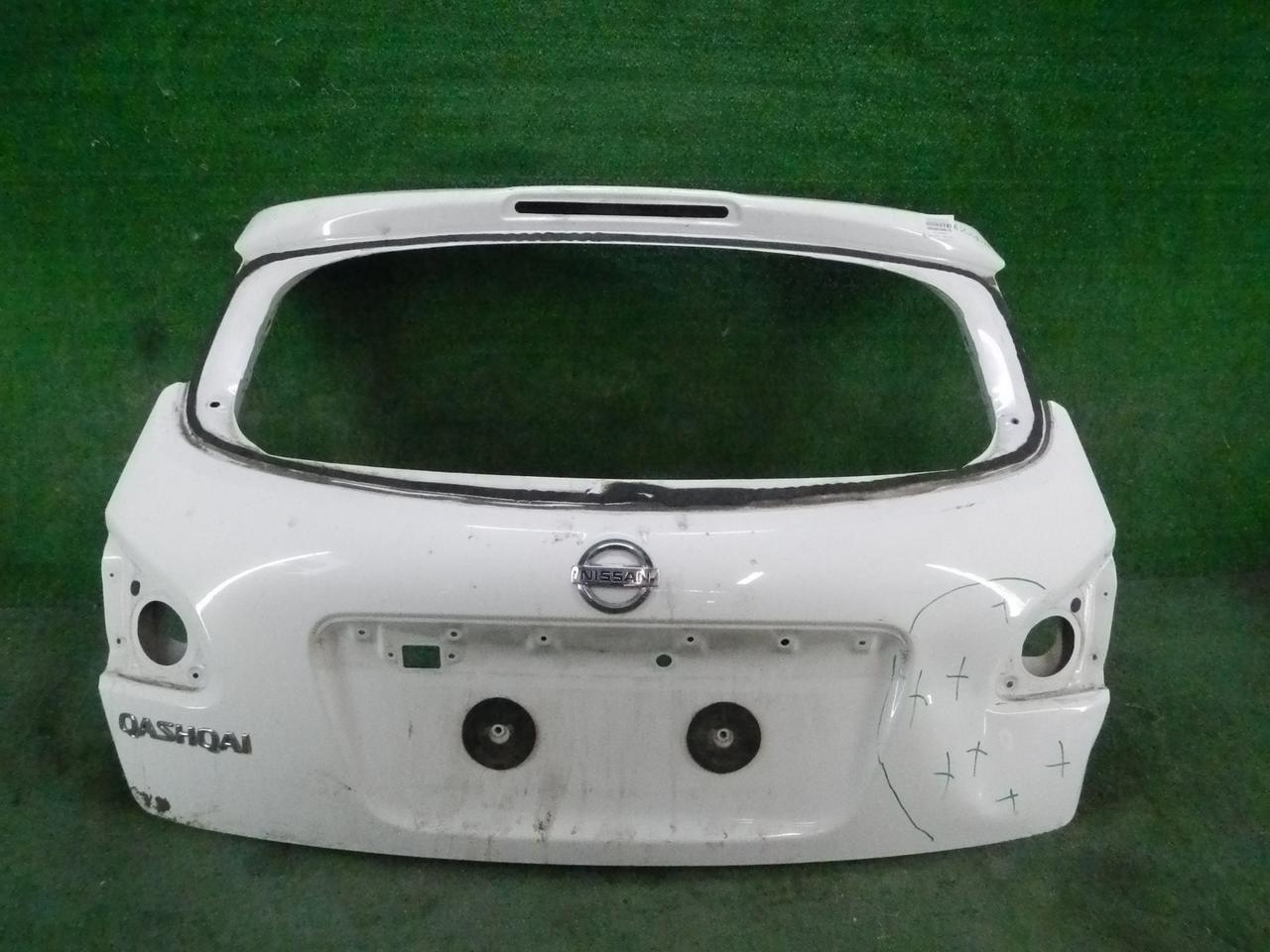 Крышка багажника Nissan Qashqai J10
