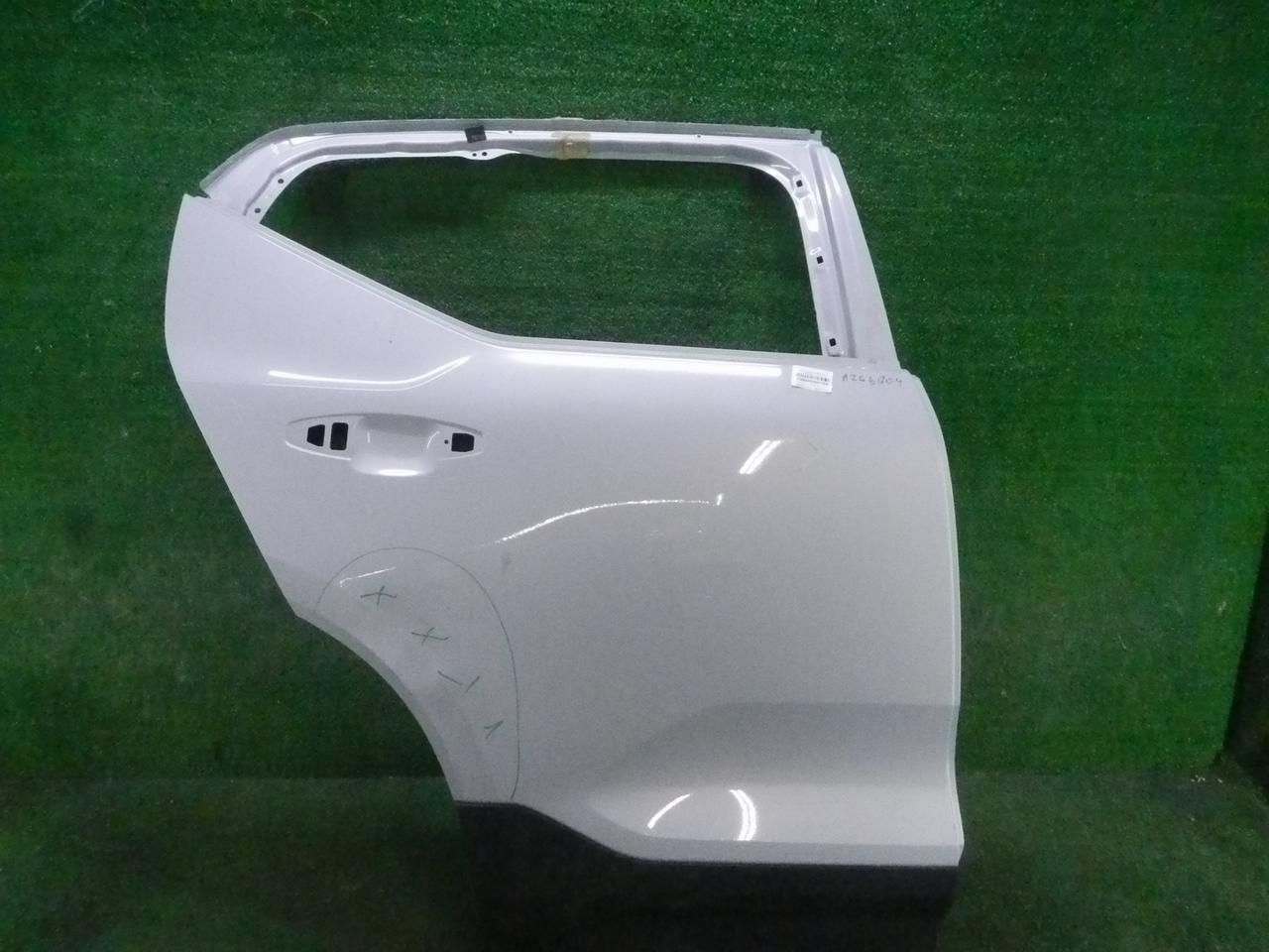 Дверь задняя правая Volvo XC40 (2