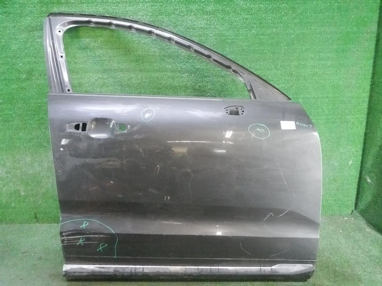 Дверь передняя правая Volvo XC6